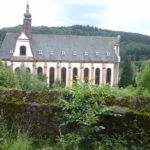 Die Kirche -Seitenansicht -