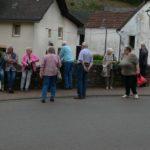 Versammlung auf dem Marktplatz in Eisenschmitt