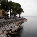 Die Uferpromenade in Garda