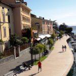 Ein Teil der Uferpromenade von Salo`