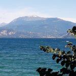 Auch von Sirmione ein Blick auf die andere Seite zum Monte Baldo