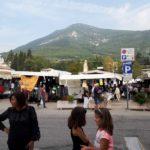 Der Markt in Caprino Veronese am Samstag